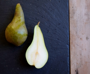 Still life - pears (food photography by Crumbs and Roses blog)