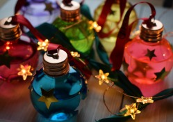 Gin baubles 8