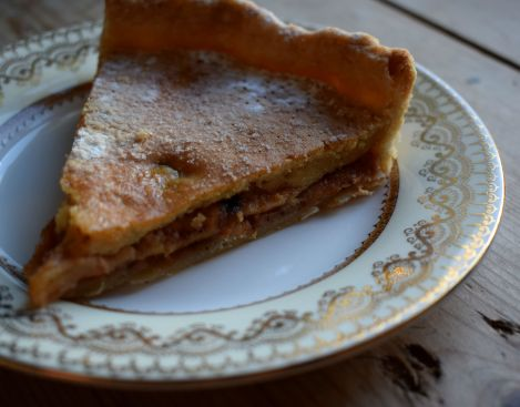 Layers of apple and cinnamon with a dash of warming Scotch whisky - Crumbs and Roses blog