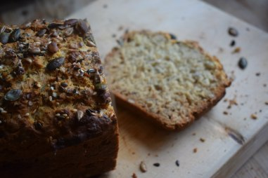 Sliced superfood soda bread - recipe via Crumbs and Roses