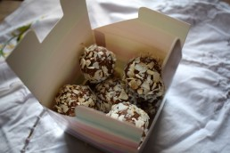 Swedish energy balls - Crumbs and Roses